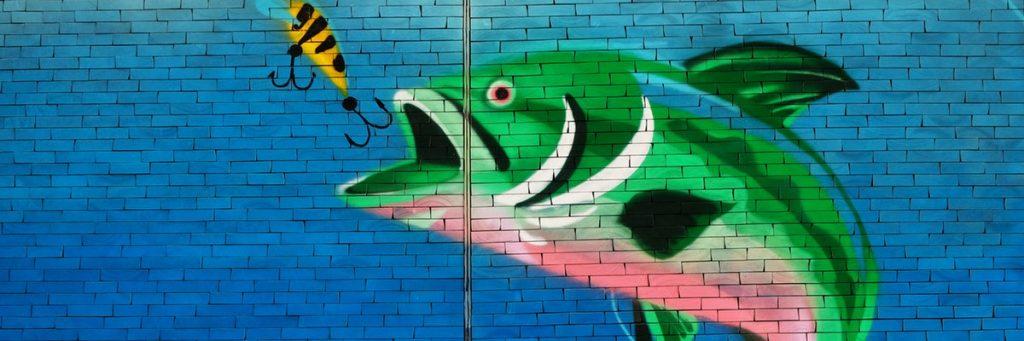Getekende vis op de muur