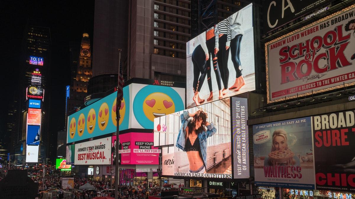 advertentie billboards op straat