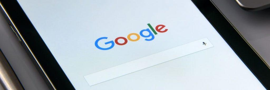 Google zoekmachine op tablet